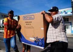 Colas desde el domingo para comprar en las nuevas tiendas en dólares en Cuba