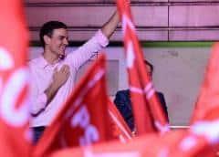 Los socialistas españoles pierden empuje pero siguen liderando las encuestas; Vox se dispara