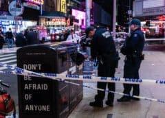 Apuñalan a hombre que paseaba en Times Square de Nueva York
