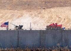 Más de 130.000 personas escapan de campamento sirio durante ofensiva turca