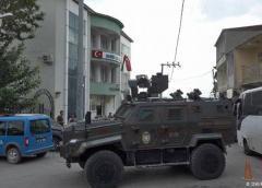 Kurdos y turcos se acusan de continuar combates en Siria