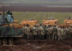 Los kurdos negocian un doloroso compromiso con Damasco ante la ofensiva turca