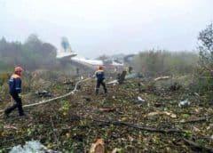 Cae avión en Ucrania, al parecer por falta de combustible