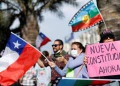Esperanza y reparos en Chile ante acuerdo para reemplazar Constitución de Pinochet