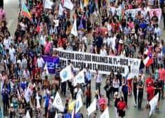 Protestas en Chile: por qué genera tanta polémica el sueldo de los parlamentarios (y cómo se compara con el resto de América Latina)