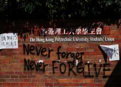 Termina el sitio a la universidad de Hong Kong, que se prepara para las elecciones