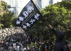 Jóvenes y mayores de HK prometen seguir lucha prodemocracia