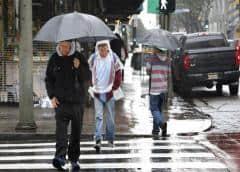 Vías cerradas, vuelos cancelados por lluvias en sur de EEUU