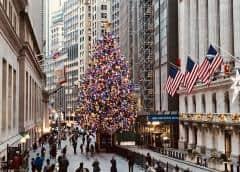 Mercados mundiales se toman una pausa prenavideña cerca de récords máximos