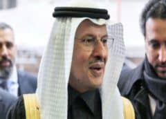 La OPEP y sus socios acuerdan nuevos recortes de producción frente a la frágil demanda mundial