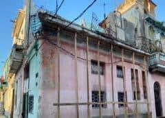 El desplome de un balcón en La Habana deja varias niñas muertas, aseguran vecinos