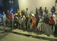 La policía francesa vuelve a desalojar a inmigrantes de un campamento en el norte de París