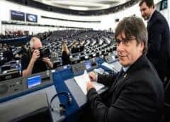 Eurocámara inicia proceso para decidir si levanta inmunidad a Puigdemont y Comín