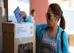 Ocho candidatos postulan a presidencia de Bolivia y Morales compite al Senado