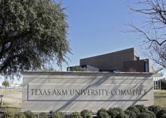 Dos muertos, un herido, en balacera en universidad en Texas