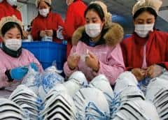 EEUU fabricará más mascarillas y revisará a más turistas tras primera muerte por coronavirus