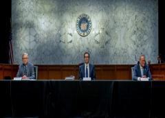 EE.UU.: Paquete de ayuda económica por coronavirus estancado en el Senado