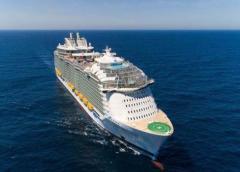 Dos tripulantes de dos barcos de Royal Caribbean son 'evacuados por motivos médicos', reporta la compañía