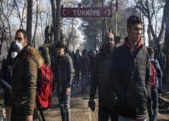Gobierno turco afirma que más de 76.000 refugiados salieron de Turquía hacia Grecia