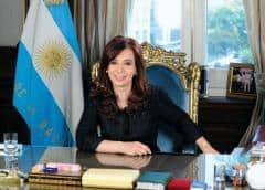 Cristina Kirchner rompe el silencio, le marca la cancha a Alberto Fernández y elige el enemigo perfecto