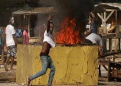 Destruyen un centro de pruebas de coronavirus en Costa de Marfil al considerarlo una amenaza para los vecinos