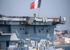 Francia pone en cuarentena a casi 2.000 marinos del portaaviones De Gaulle