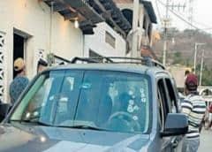 Asesinan a defensor de derechos humanos y su hijo en México