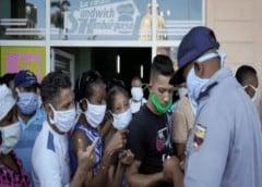 Corrupción y abuso policial en las colas para comprar alimentos en Cuba