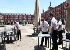 Los residentes de Madrid y Barcelona aguardan con expectación la inminente reapertura