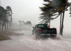 La tormenta tropical Arthur se cerca de la costa este de EE. UU.
