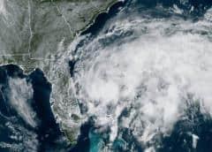 Se fortalece la tormenta Arthur cercana a Carolina del Norte