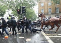 La jefe de policía de Londres dice que 14 agentes fueron heridos durante las protestas