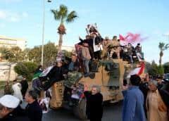 La contratación rusa de sirios para luchar en Libia se aceleró en mayo