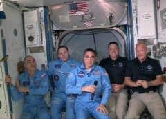 La nave Crew Dragon de SpaceX atraca con éxito con la ISS