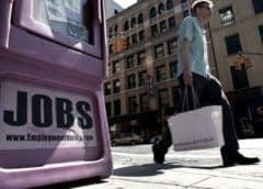 Desempleo en EEUU baja al 13,3%, al agregarse 2,5 millones de trabajos en mayo