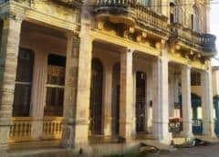 Familias viven una odisea tras derrumbe de un edificio en Caibarién