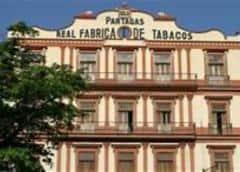 Colapsa el techo de un edificio emblemático en La Habana