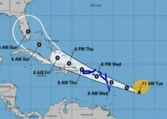 Florida sigue en la ruta de posible tormenta tropical. Fuertes lluvias azotan al Caribe