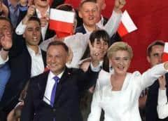 El presidente conservador Andrzej Duda, reelecto por estrecho margen