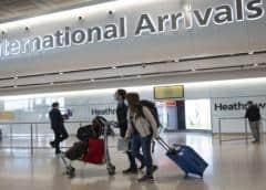 G.Bretaña retira cuarentena a 60 países, deja fuera a EEUU