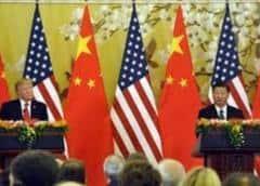 Trump firma ley contra China, ataca a Biden