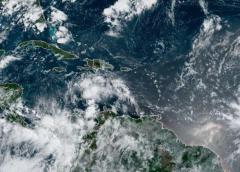 Meteorólogos vigilan tres sistemas de baja presión en el Atlántico