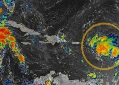 Depresión se convierte en Tormenta Tropical Laura y amenaza a Florida