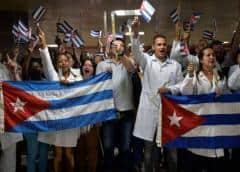 Kozak ofrece condolencias a familias de tres sanitarios cubanos fallecidos en Venezuela