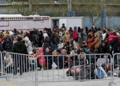 Unos 6.000 refugiados ya están en el nuevo campo de Lesbos