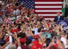 El presidente Trump urge en Florida a votar cuanto antes