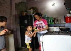 Enfermeras venezolanas, atrapadas entre COVID-19 y la crisis económica