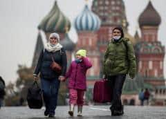Rusia no planea confinamientos pese a récord de muertes por COVID-19