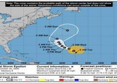 La tormenta tropical Epsilon avanza lentamente hacia Bermudas