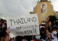 Tailandia prohíbe las protestas mientras escala el desafío al orden establecido